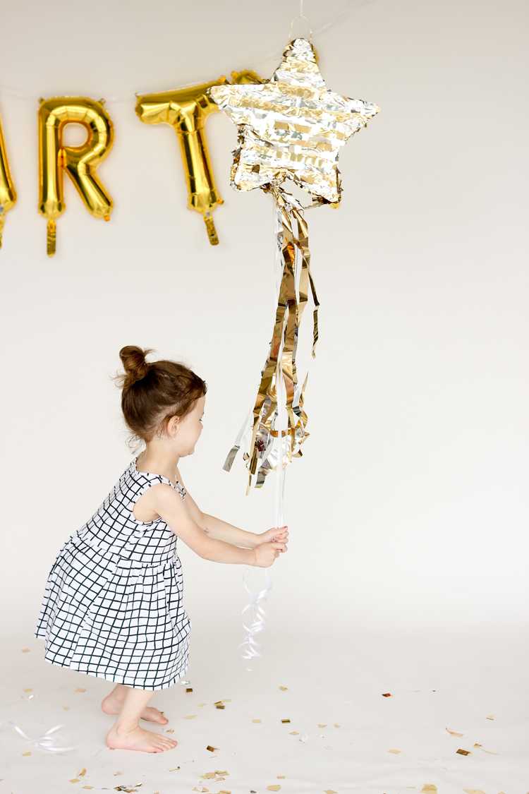 DIY Shooting Star Pull Pinata // www.deliacreates.com
