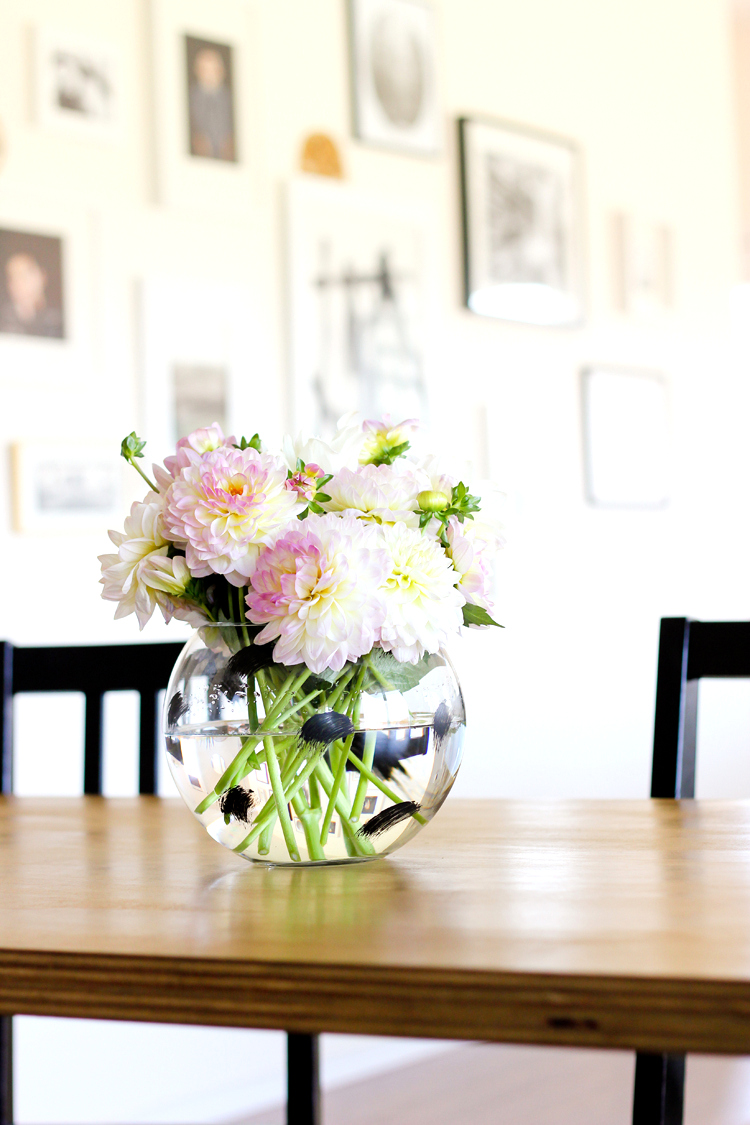 DIY Painted Vase // www.deliacreates.com