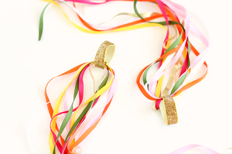 DIY Dancing Ribbon Rings // www.deliacreates.com
