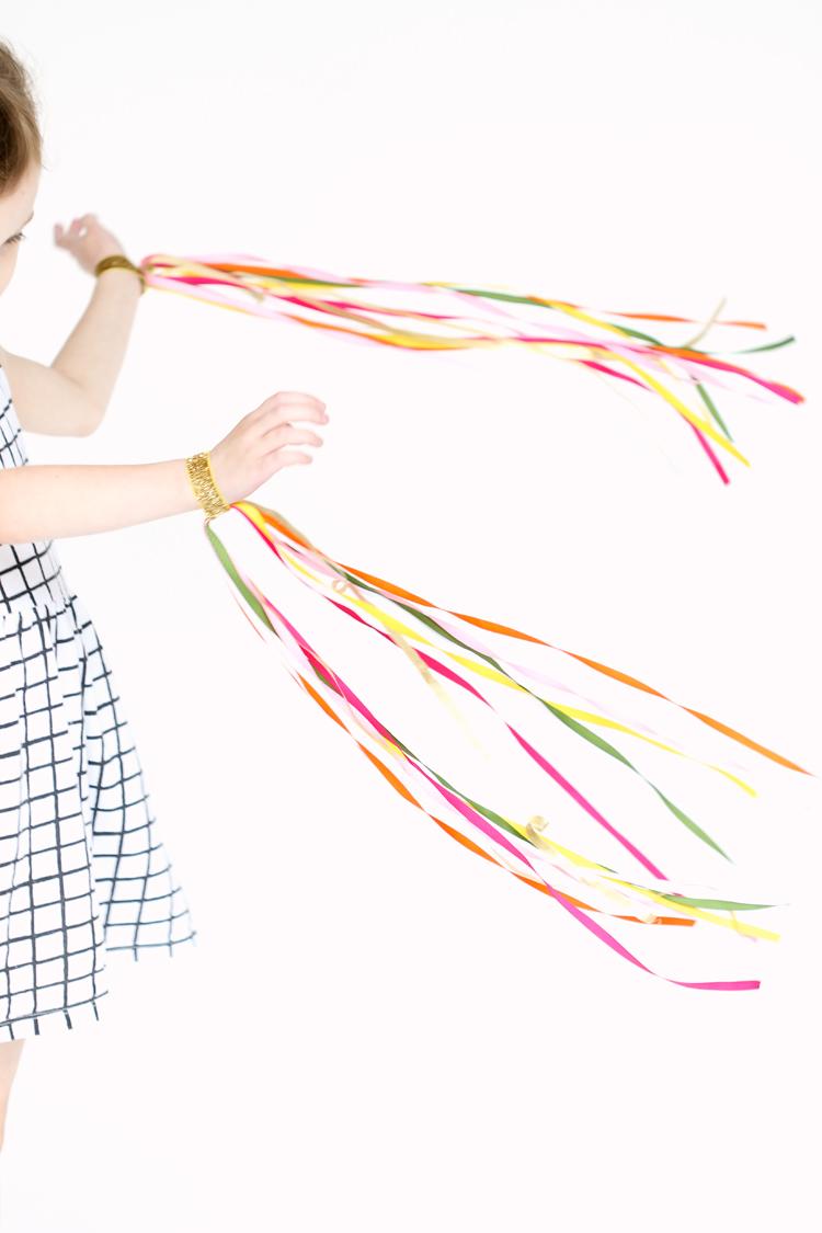 DIY Dancing Ribbon Rings // www.deliacreates.com
