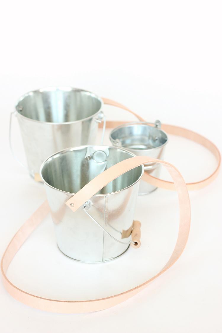 DIY Berry Bucket Tutorial // www.deliacreates.com