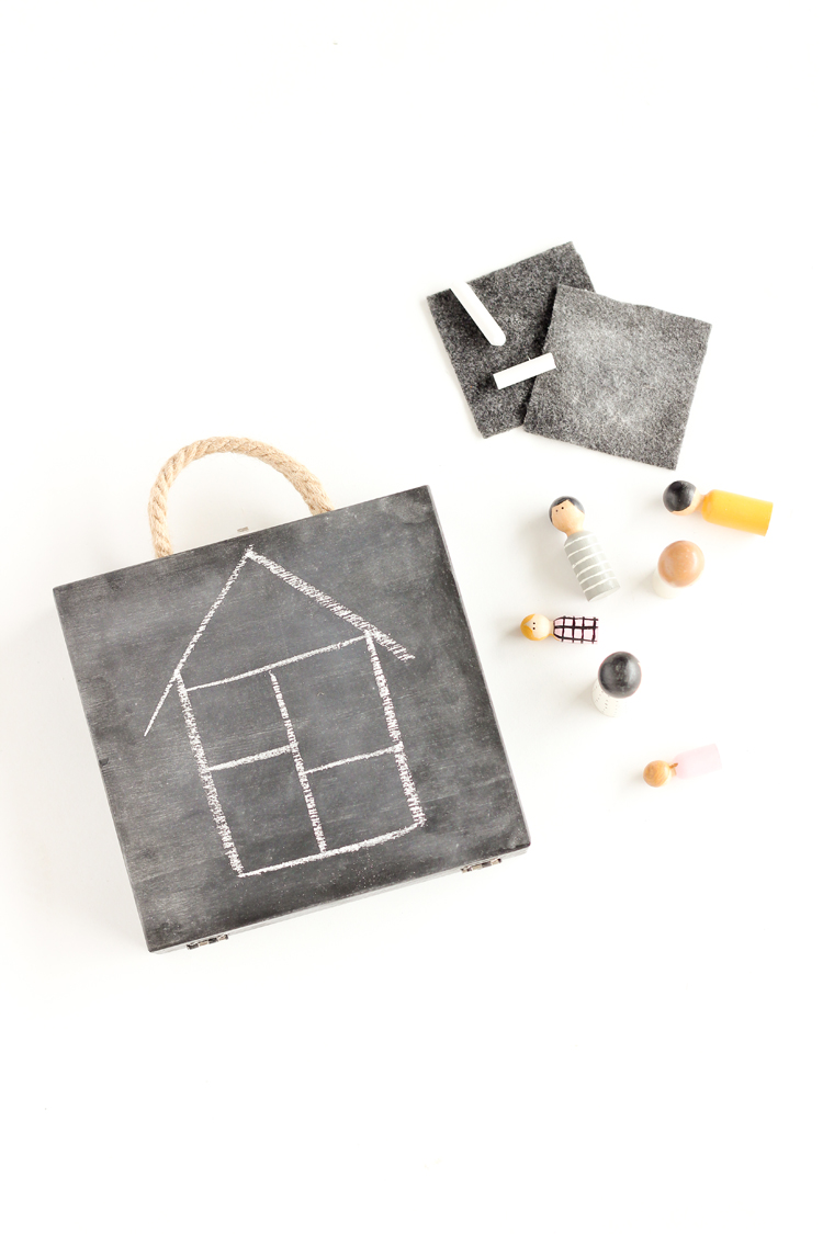 DIY Travel Chalkboard Doll House // www.deliacreates.com