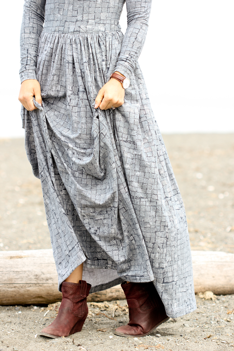 Observer Fabric Maxi Dress // www.deliacreates.com