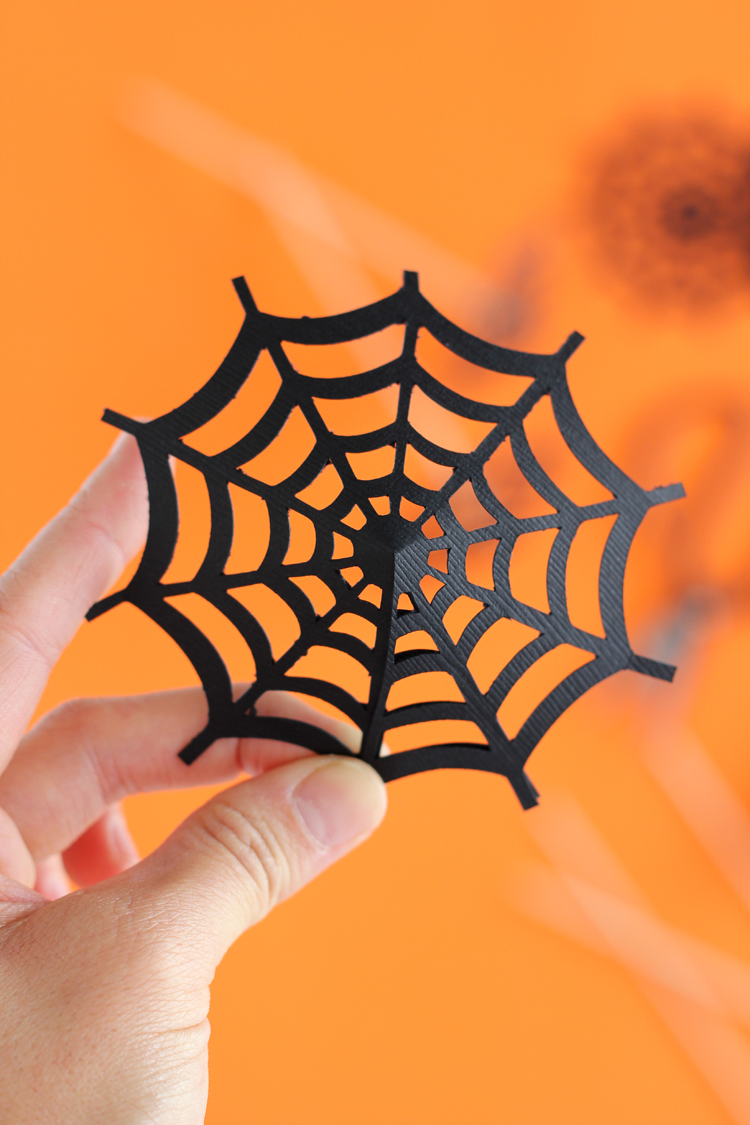 Spiderweb Drink Umbrellas - free cut file! // www.deliacreates.com