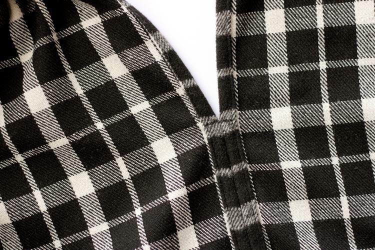 EASY CAPE SCARF // sewing tutorial // www.deliacreates.com