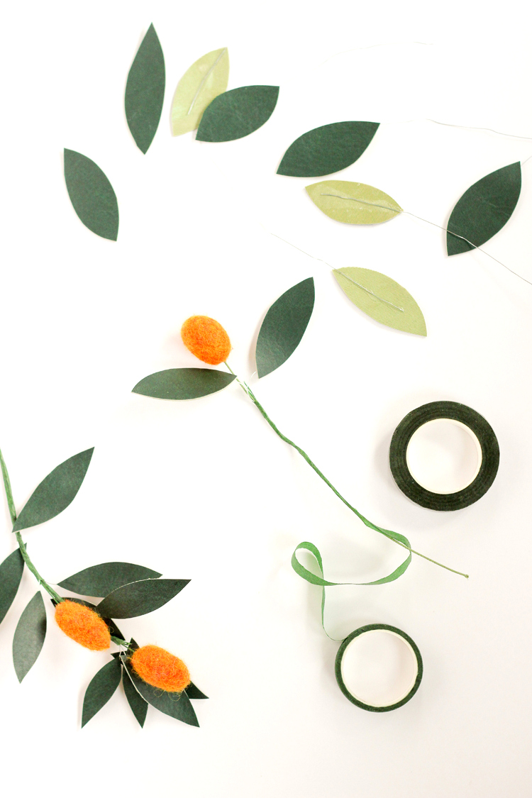 Felt + Vinyl Kumquat Wreath Tutorial // www.deliacreates.com