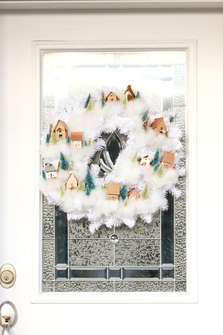 Mini House Wreath Tutorial + Free Cut Files // www.deliacreates.com