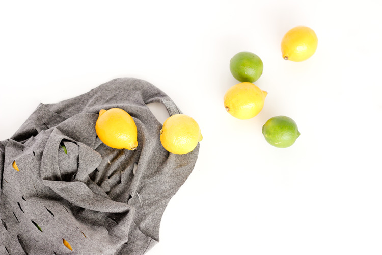 Easy, no-sew,T-shirt Produce Bags // www.deliacreates.com