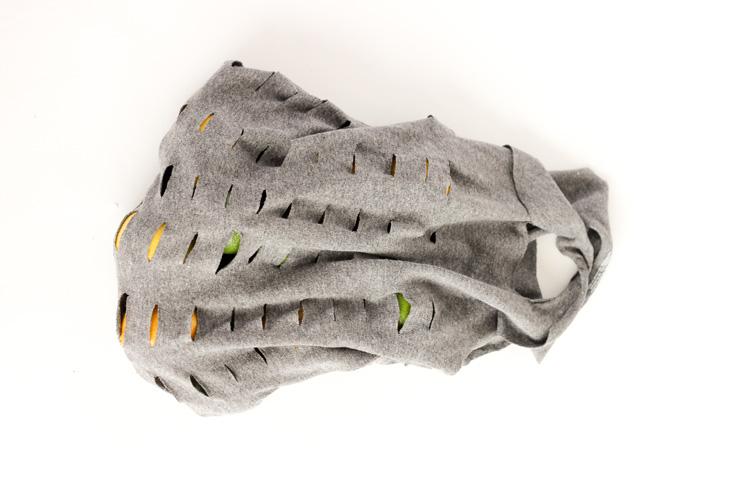 Easy, no-sew,T-shirt Produce Bags // www.deliacreates.com
