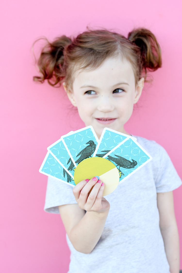 Kid's Card Wheel DIY // www.deliacreates.com