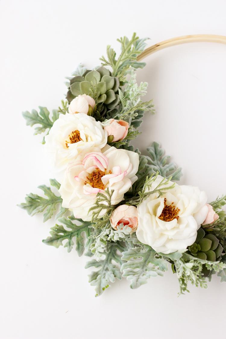Modern Spring Floral Wreath