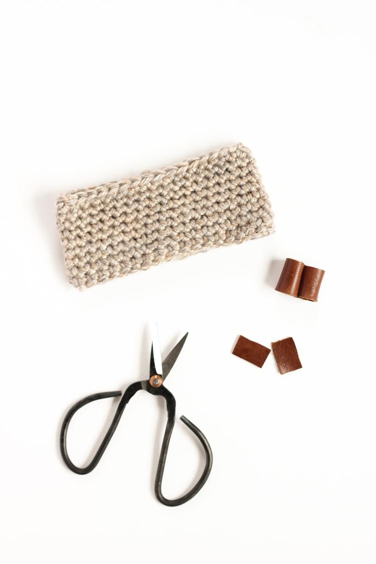 Crochet + Leather Bow Tie Tutorial // www.deliacreates.com