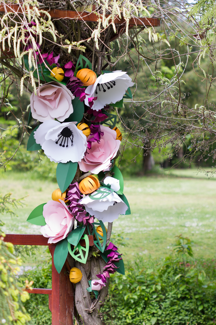 Giant Paper Flowers + Free Cut Files! // www.deliacreates.com