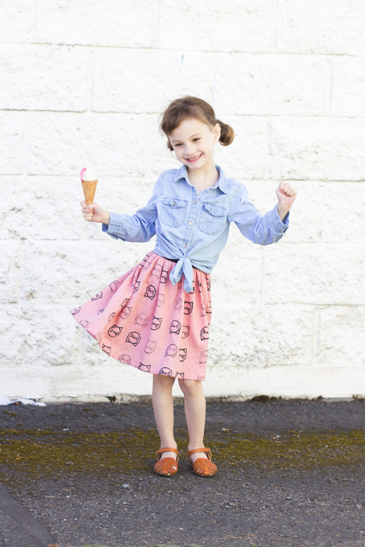 DIY Stamped Kitty Cat Skirt // www.deliacreates.com