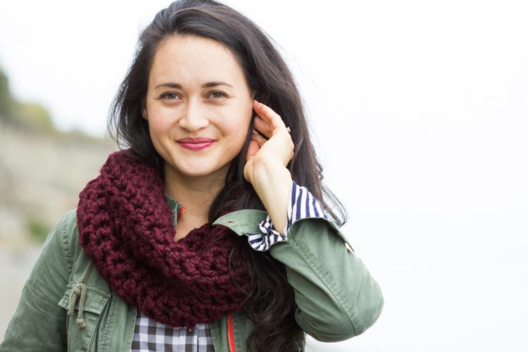 Finger Crocheted Cowl Tutorial + Pattern
