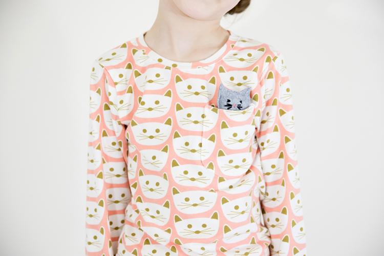 Kitty Pajamas + free pocket kitty pattern // www.deliacreates.com