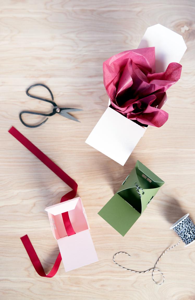 Little House Gift Box - Free Cut Files // www.deliacreates.com