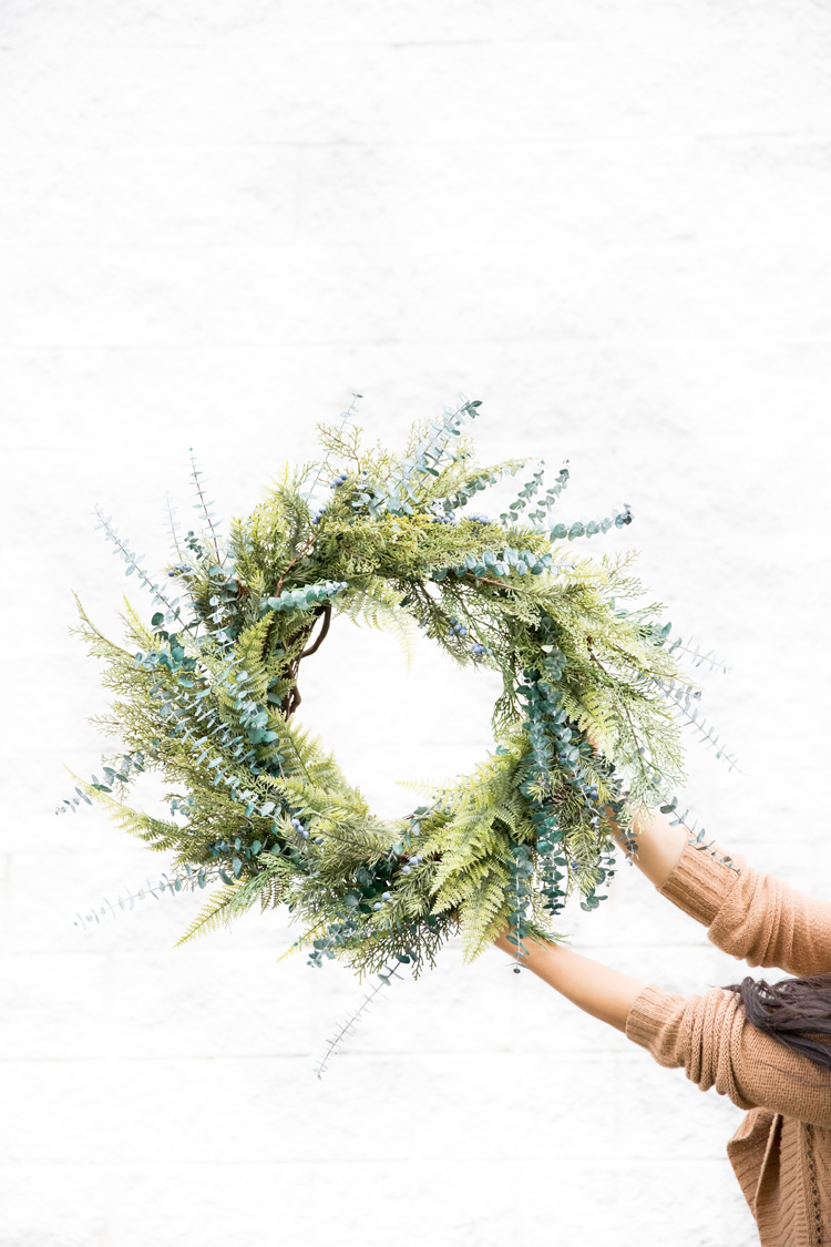 Mixed Greens Evergreen Wreath // www.deliacreates.com