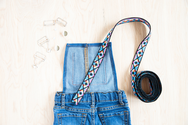 Easy Overalls Tutorial with Elastic Straps and Buckles // www.deliacreates.com // make cute overalls from an old pair of pants!