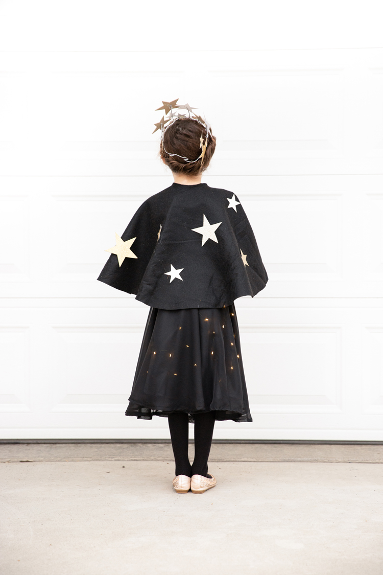 Starry Night Sky Halloween Costume (+ Lighted Skirt Tutorial) // www.deliacreates.com // An easy way to make a skirt light up with LED lights!