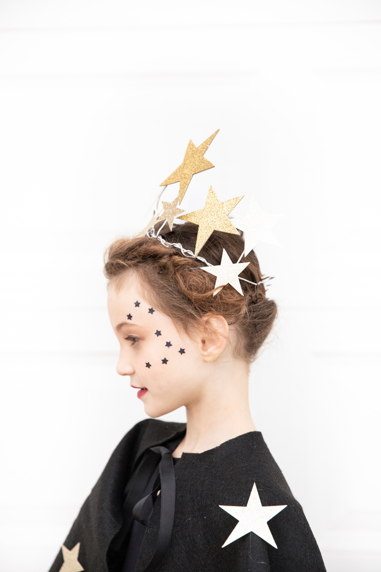 Starry Night Sky Halloween Costume (+ Lighted Skirt Tutorial) // www.deliacreates.com // Easy Wire Star Crown
