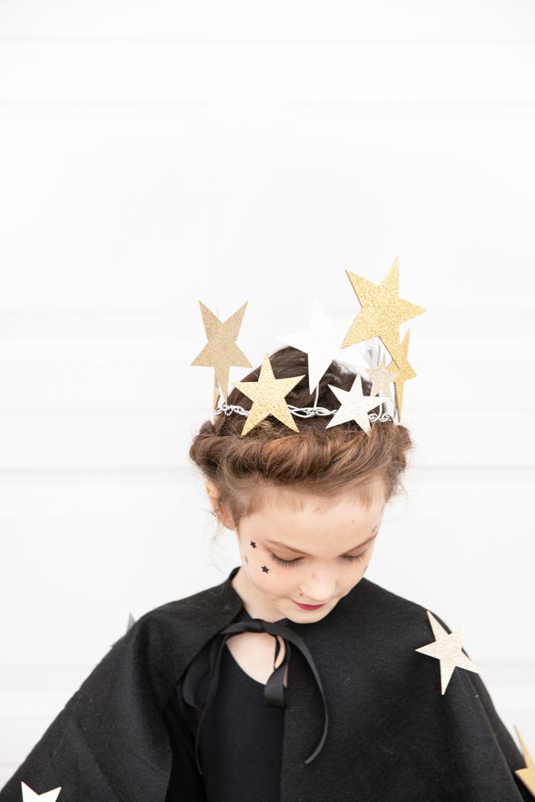 Starry Night Sky Halloween Costume (+ Lighted Skirt Tutorial) // www.deliacreates.com // Easy Star Crown