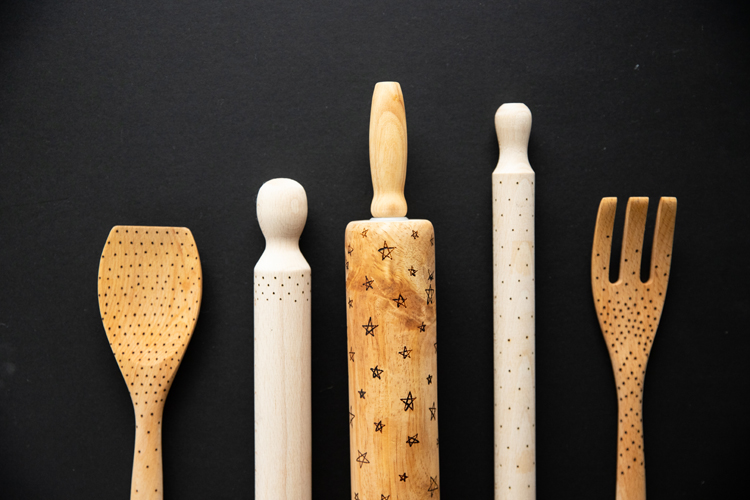 Wood Burned Rolling Pin and Utensils - easy tutorial! // www.deliacreates.com // Using a dotted designs makes this project come together in minutes!