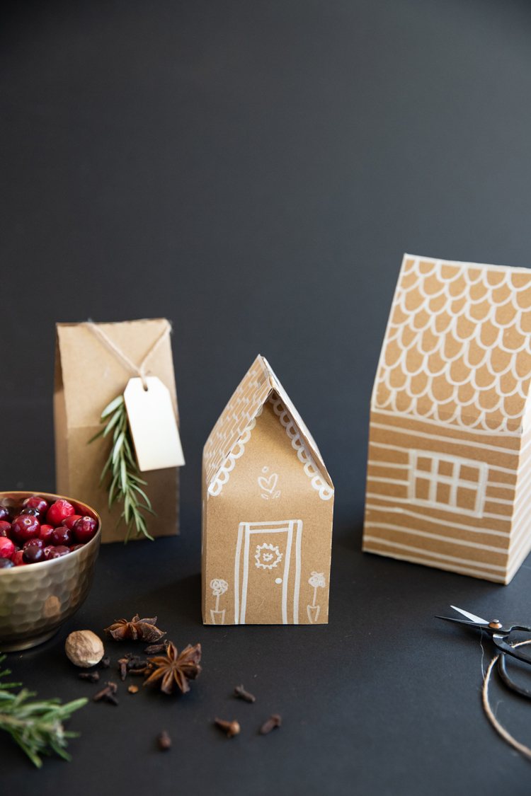 Gingerbread House Paper Gift Boxes - Free Template + Cut file! // www.deliacreates.com