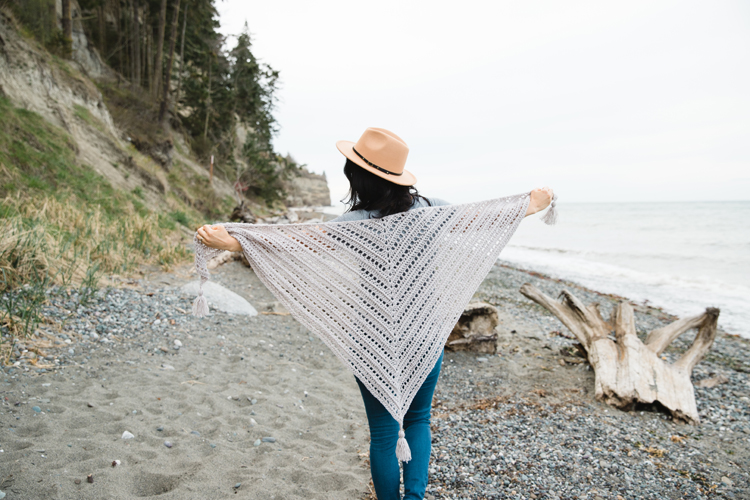 Free Mother's Day Crochet Shawl Pattern // www.deliacreates.com