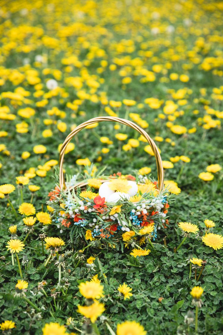 Floral Easter Basket // www.deliacreates.com