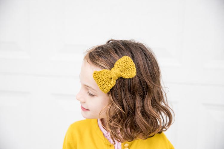 Crochet Basics - How to Single Crochet + Crochet Bow Tutorial // www.deliacreates.com