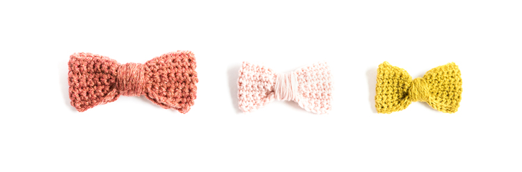 Crochet Basics - How to Single Crochet + Crochet Bow Tutorial // www.deliacreates.com