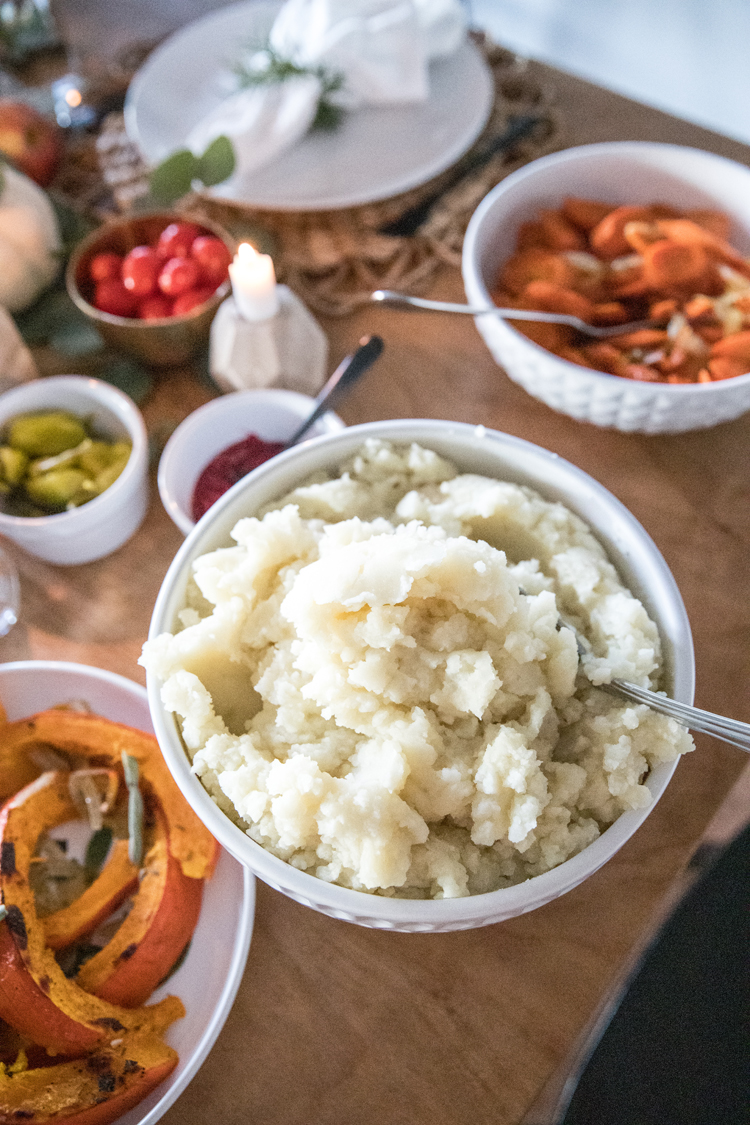 Allergy Friendly Thanksgiving Dinner // Dairy Free Mashed Potato Recipe // www.deliacreates.com