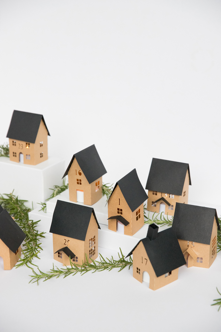 Christmas Advent Paper Houses // www.deliacreates.com