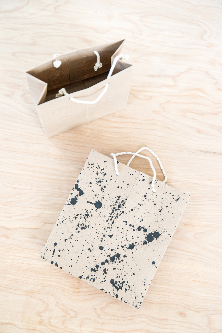 DIY Gift Bag Tutorial // www.deliacreates.com