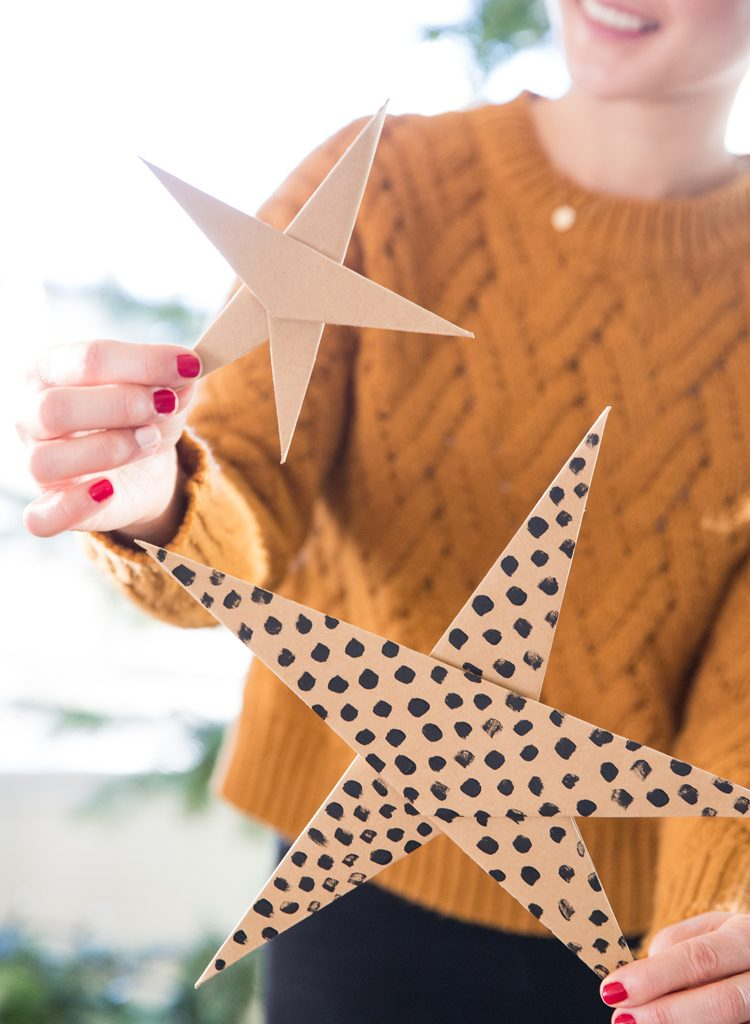 Paper Star Tutorial // www.deliacreates.com