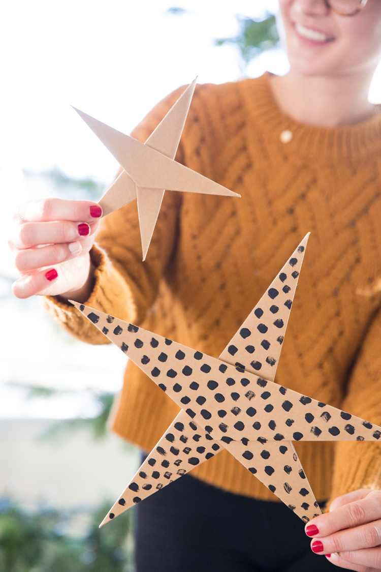 {almost} Origami Paper Stars - video tutorial! // www.deliacreates.com