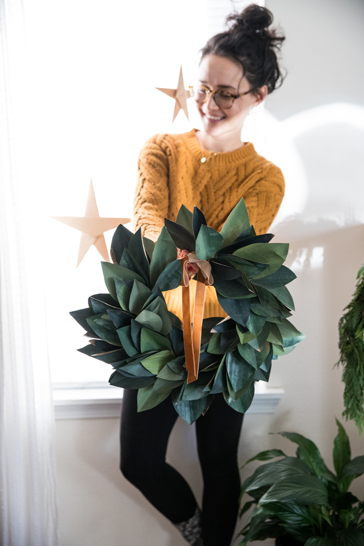 Wrapping Paper Wreath - video tutorial // www.deliacreates.com