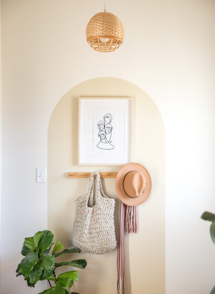 Simple Entry Way Makeover // www.deliacreates.com