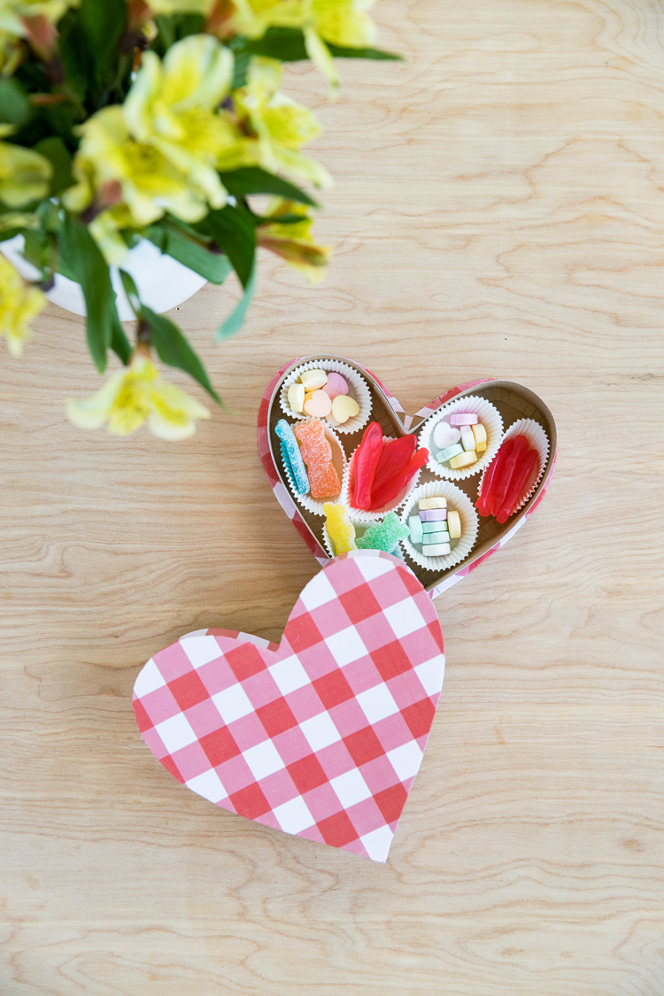 Cereal Box Candy Heart Box - free template // www.deliacreates.com
