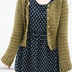 Simple Raglan Cardigan – Free Crochet Pattern