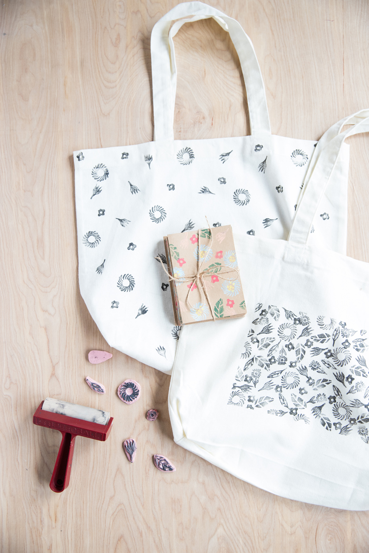Make kid's drawings into a stamped tote for Mother's Day! // www.deliacreates.com