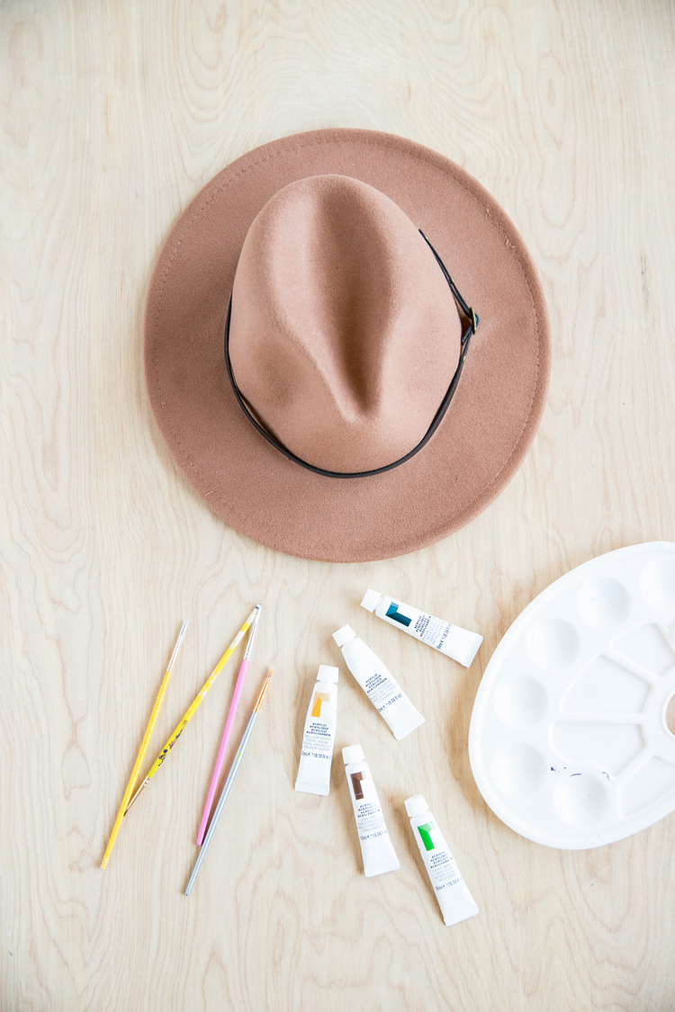 Easy Painted Daisy Hat // www.deliacreates.com