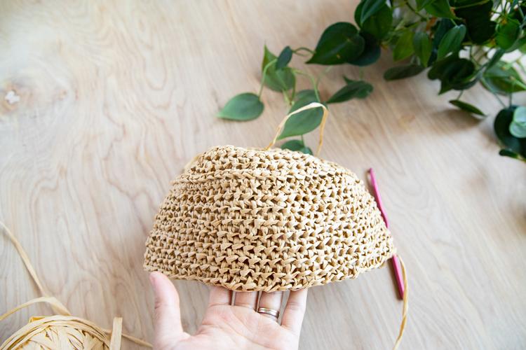 Raffia Crochet Bucket Hat - Free Pattern! // www.deliacreates.com
